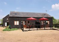 Swan Barn Holiday Accommodation Ely Cambridgeshire - sleeps 4